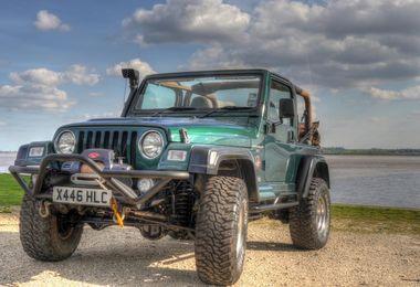 SOLD - Jeep Wrangler 4.0L Sahara 2000 (X446 HCL)