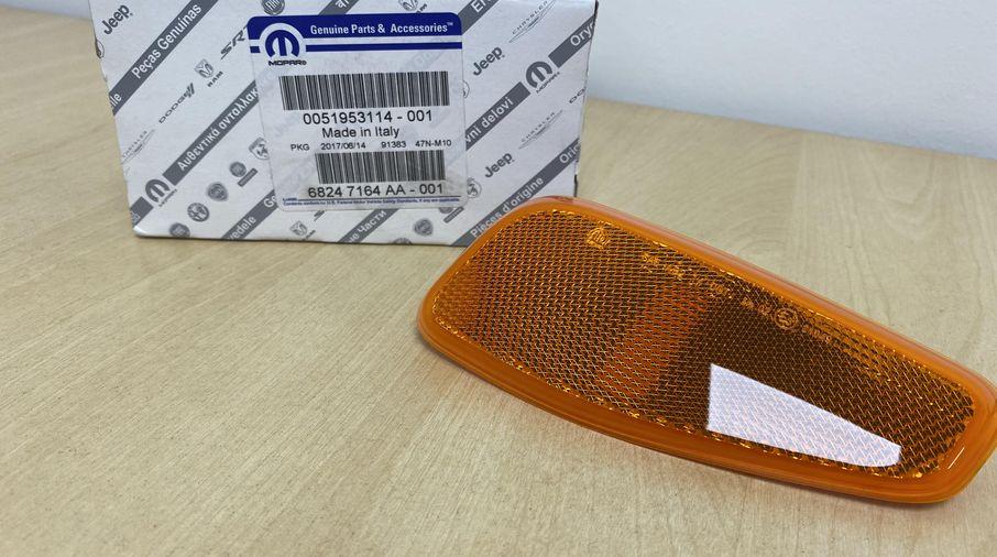 Indicator Reflector (RH) (68247164/51953114 / JM-05823 / Mopar)