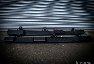 USED - Genuine Jeep 'JK' Side Steps 4dr (JMU-00025)