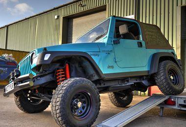 SOLD - Jeep Wrangler 4.0L Sport 2000 (W227 PJR)