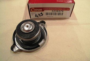 Radiator Cap, 13 Lbs. Pressure (J3239375 / JM-00425 / Crown Automotive)
